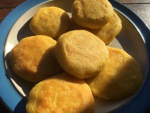 arepas fried on plate